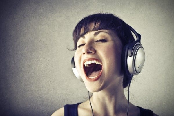 woman-singing-headphones
